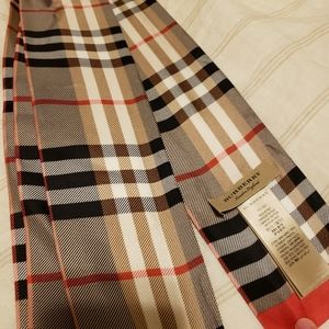 Burberry Castleford Check Silk Skinny Scarf
